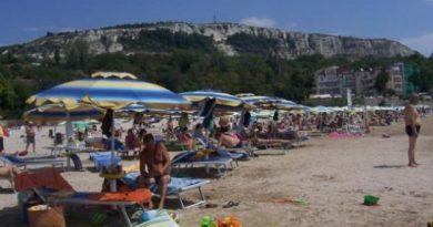 Министерство на туризма ще удължава летния сезон