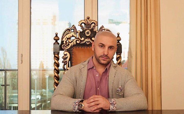 Гаел Бонел Санчес пуска часовник с автограф от Наполеон