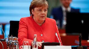 Меркел бие тревога: Германия стои върху буре с барут
